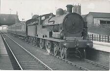 POSTCARD  RAILWAY  LNW  1472  Moorhen