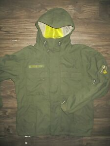 Burton Snowboarding Jacket Military Green MEDIUM