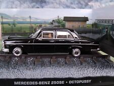 1/43 MERCEDES BENZ 250 SE James Bond Octopussy  007 series  diorama