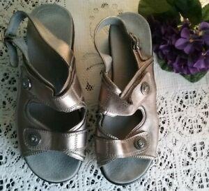 HOMYPED Women's sandals Size 9 Pewter Adjustable like new