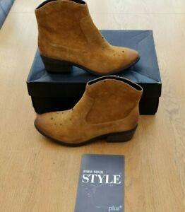 Clarks Moonlit Cool Tan Suede & Leather Ankle Boots 6D (EU 39.5) New Boxed