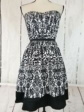 Trixxi Women's Tube Dress Size 11 Strapless Black White Floral A-Lined