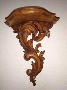 alte geschnitzte Wandkonsole aus Holz