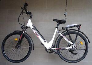 EFFBIKE Step Thru Electric Bike / 250W / 1 Yr Warranty / Free Delivery