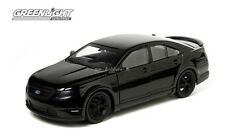 2013 FORD TAURUS SHO 1/24 MIB 3 MAN IN BLACK BY GREENLIGHT 18211 NEW