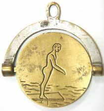 Edge spinner - Man & Woman on a diving board