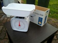 PROPERT LARGE 10kg  KITCHEN SCALE  MODEL 940  USED  WORKING CONDITION PICK UP