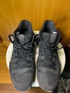 Nike Kyrie 3 Triple Black Size 10