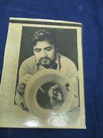1978 Surinder Krishna leader of GE examines device Vintage Wire Press Photo