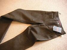 Lange unifarbene Herrenhosen aus Leder mit mittlerem Wasserbedarf