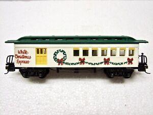 HO Bachmann White Christmas Express Passenger Car