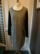 SOGGO COLLECTION SIZE L BLACK/OFF WHITE PATTERNED POLYESTER/VISCOSE DRESS BNWT