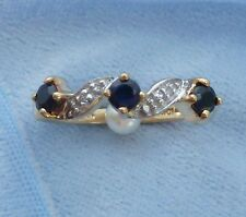 10K Yellow Gold Ring, 3, 3mm Sapphires, 2 tiny Diamonds, Size 6.5