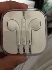 Apple MD827LL/A EarPods with Remote and Microphone - White