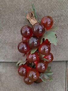 """Vintage Acrylic Lucite Bunch of Red Ruby 1 3/4"""" Grapes"""