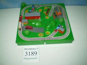 ERTL Thomas The Train Miniatures Playset Corner Crossing