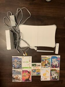 Wii Bundle! Perfect For Christmas!