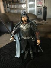 Aragorn King of Gondor Figure - Toy Biz Lord of the Rings 2003 LOOSE - COMPLETE