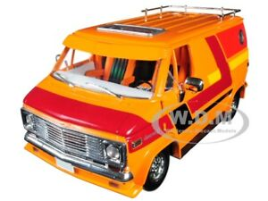 1976 CHEVROLET G10 G-SERIES VAN ORANGE W/ CUSTOM GRAPHICS 1/18 HIGHWAY 61 18012