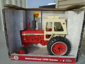 ERTL International 1256 Tractor 1/16 scale