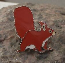 Bushy Tailed Red Squirrel Woodland Tree Animal Wildlife Brooch Pin Badge