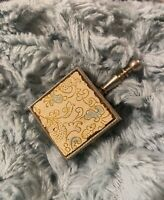Vintage Hinged Goldtone Snuff Pill Box W/ Handle W/ Design Inlay Top