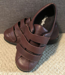 Cosyfeet Ladies Size 5 Extra Wide Leather Boots. Sandra Burgandy Good Condition