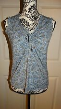 NICE WOMANS OLD NAVY MATERNITY SLEEVELESS BLOUSE FLORAL SIZE SMALL COLOR BLUE