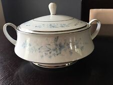 Noritake Carolyn Covered Vegetable Bowl Or Casserole Dish With Decal Lid 2693