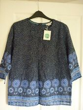BODEN PINTUCK TOP 3/4 SLEEVES in NAVY SCARF. UK 12, EUR 38-40, US 8. BNWT WA789