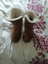Ladies UGG Australia Sheepskin Boots Size UK 7 Bailey