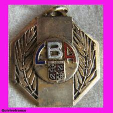 BG2959 INSIGNE LIGUE DE BOURGOGNE  ATHLETISME 1958