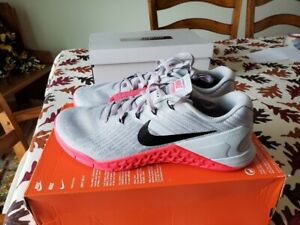 Women's Nike Metcon 3 Training Shoes - Wolf Grey/Racer Pink 849807-008 Size 11