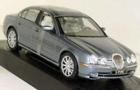 Maisto 1/18 Scale - 31865 Jaguar S Type 1999 Metallic Blue Diecast Model Car