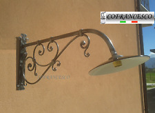 Lampada lampione a parete per esterno in ferro battuto 1185 con piatto smaltato