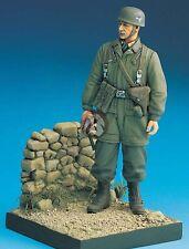 Legend 1/16 Fallschirmjager German Paratrooper Crete 1941 WWII Vignette LF1603