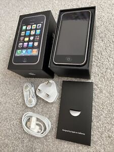 APPLE IPHONE 3GS 16GB BLACK BOXED COMPLETE WITH UNUSED EXTRAS