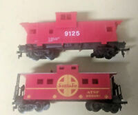 HO scale 2 Caboose  lot 2 red caboose ATSF Santa Fe and Unmarked