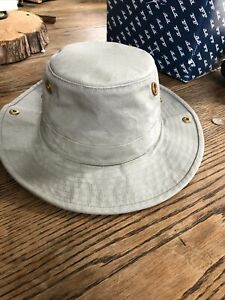 tilley hat 7 1/8 Fly Fishing Tackle
