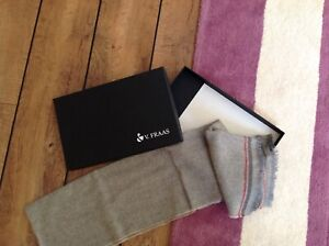 New in box V.FRAAS mens cashmere scarf