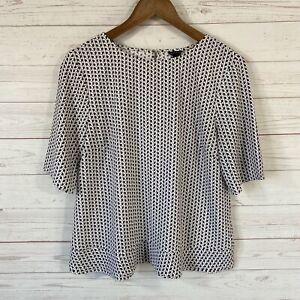 Ann Taylor Short Sleeve Ruffled Hem Blouse Top Medium Maroon Geometric Print