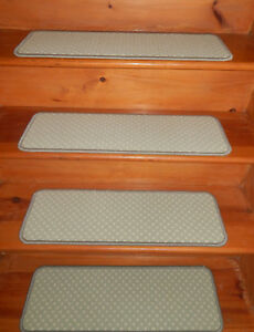 13  Step  9'' x 27'' + 1 Landing  27'' x 27'' Stair treads Wool Woven carpet .