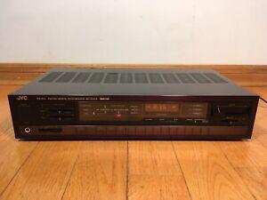 JVC RX-150 50-watts per channel FM/AM Digital Synthesizer Stereo Receiver 1986