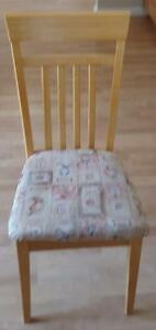Nice Solid Wood Blond Finish Kitchen Chair - VGC - GREAT COND GOOD QUALITY