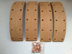 BENTLEY MK6 1946 - 1952 FRONT BRAKE LININGS WITH RIVETS RM736