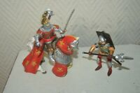 LOT 3 FIGURINES PAPO MEDIEVAL 2 CHEVALIER + 1 CHEVAL KNIGHT HORSE FIGURE K1