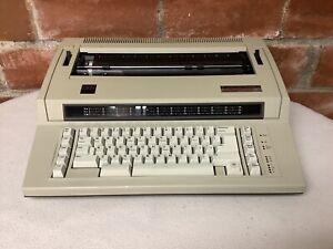 VTG IBM ACTIONWRITER 1 ELECTRIC TYPEWRITER 6715-001