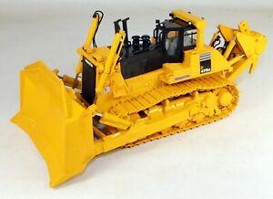 1/50 First Gear #50-3230 Komatsu #D475A-5EO Crawler Dozer Diecast Metal