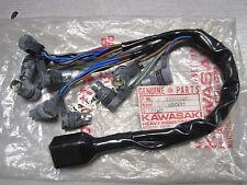 KAWASAKI nos Speedo & Tach cableado montaje del zócalo Z400 KZ400 1974-77 25011-047