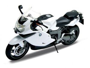 1:10 BMW K1300S (Metallic White) - Motorcycle Bike Replica - Welly #62805W